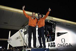 Отличиха пилотите на Solar Impulse 2 със Световна соларна награда